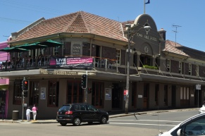 town_hall_pub_balmain_sydney_january_2010